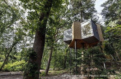 A tree-top hotel in Als Odde